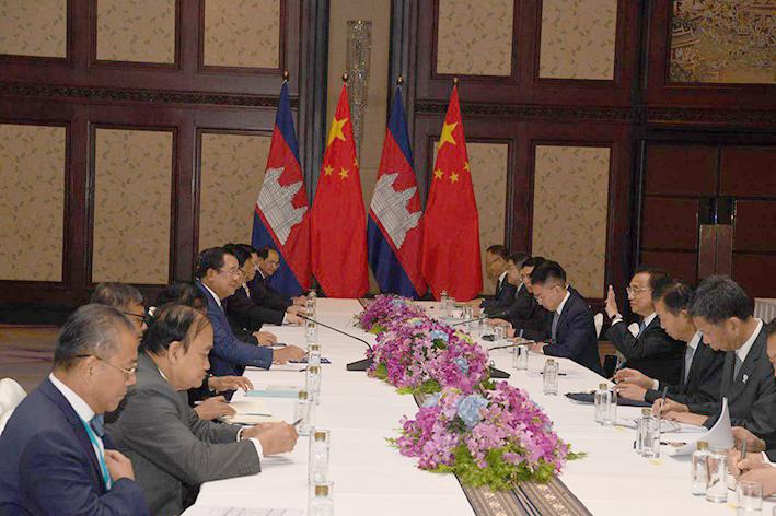 中国提供援助支持西港发展